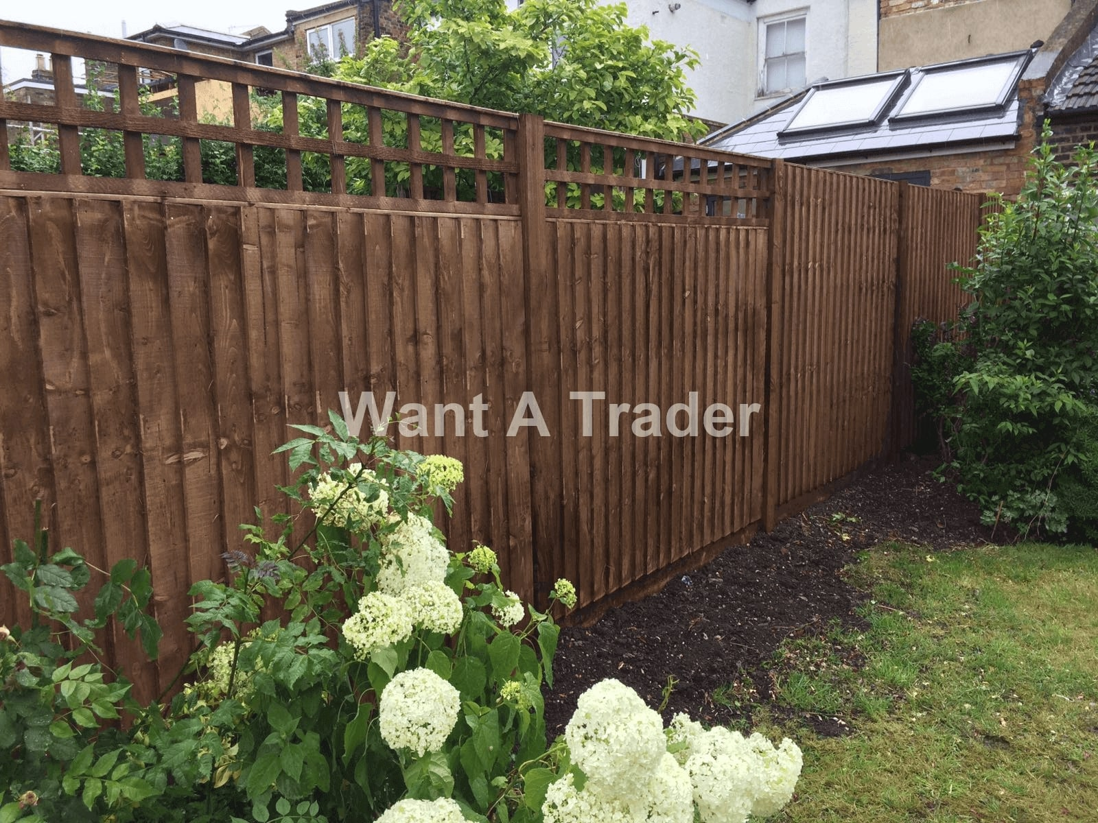 Garden Fence Builder Hayes UB3